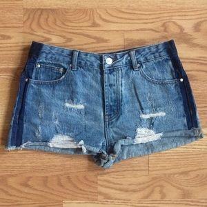 ⚫ TOBI Cut-Off Denim Shorts